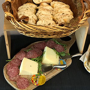 appetizers-cheese-board-bread-basket-salami-cooking-class