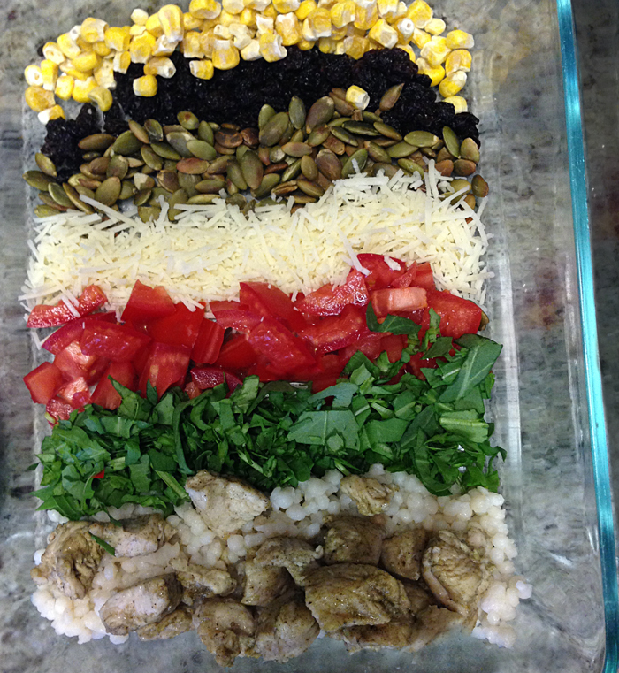 deconstructed-salad-chicken-couscous-tomatoes-spinach-grated-cheese-toasted-pumpkin-seeds-raisins-corn-meal-prep